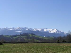 Les Pyrénées, vue depuis la ligne de chemin de fer entre Tarbes et Pau