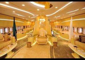 L'intérieur du Boein 747 privé du Prince Saoudien Alwaleed Bin Talal.