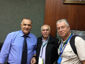 Ali Sallam, Maire de Nazareth, Reuven Naamat, Délégué du KKL en France, et Jeep