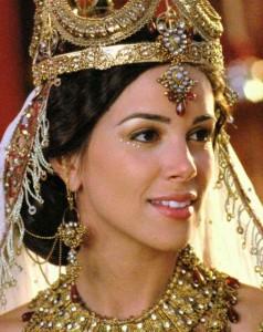 La Reine Esther, jouée par Tiffany Dupont dans